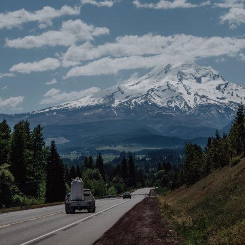 Drive towards Mount Hood, Portland